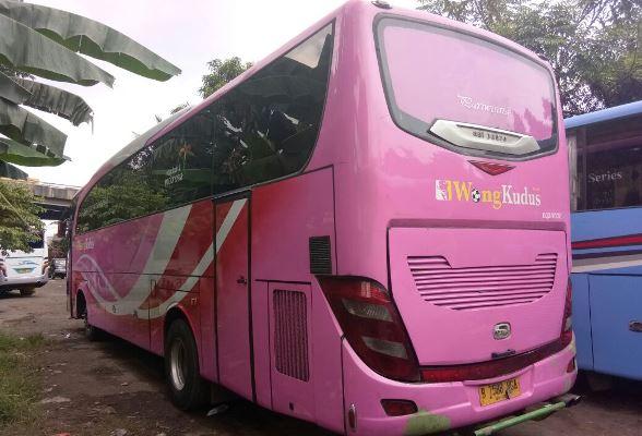 Sewa Bus AC Jakarta Timur