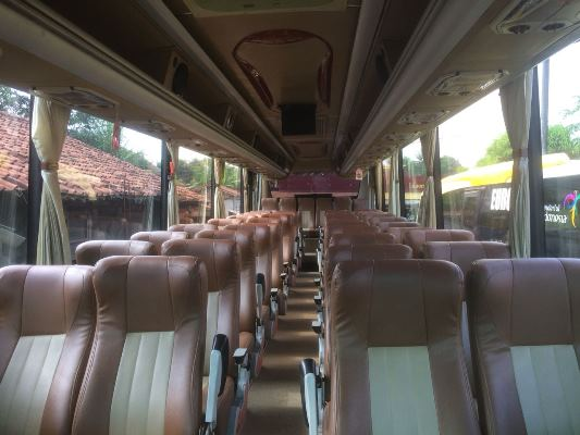 Sewa Bus di Jakarta Barat